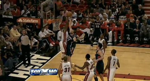 Dwyane Wade's Grimy Block At The Rim On Vladimir Radmanovic