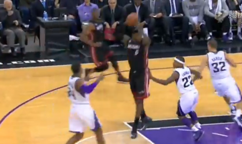 LeBron James Throws A 360-Degree Pass