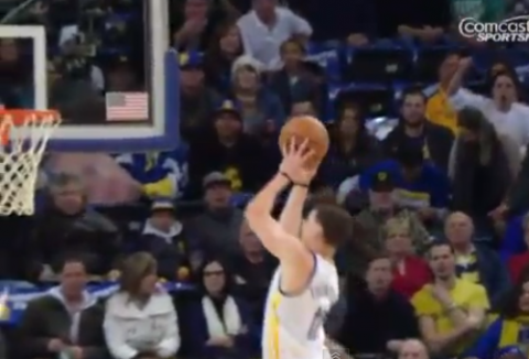 Stephen Curry Sets Up Klay Thompson For The Alley-Oop