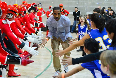 J.R. Smith On Imitating Michael Jordan, His Twitter Game and Ha…
