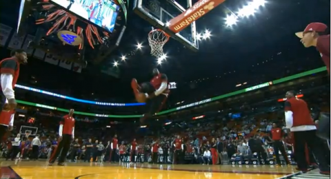 LeBron James Unleashes Another Crazy Pregame Dunk, Then Kills A…