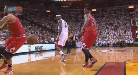 LeBron James Sick No-Look Backdoor Pass to Dwyane Wade