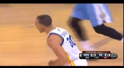 Stephen Curry Drops an Insane No-Look Pass to Andrew Bogut