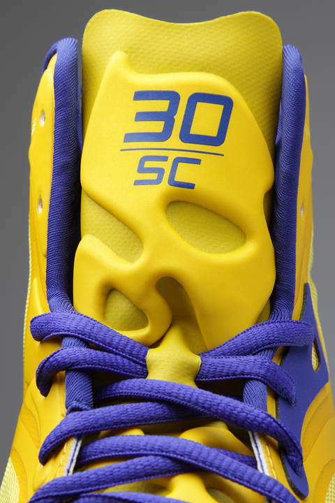 A Closer Look: Stephen Curry's Under Armour Anatomix Spawn Play…