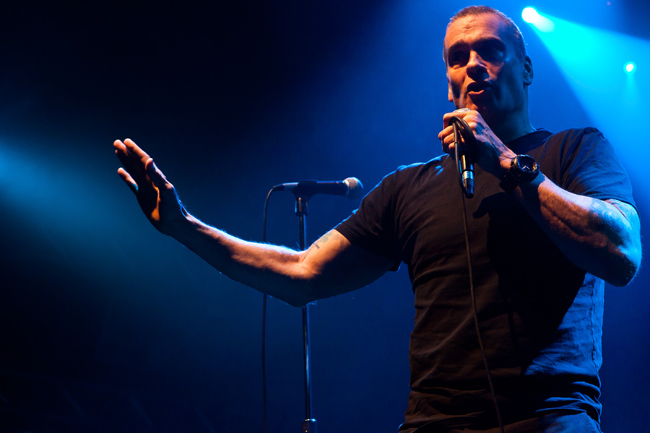 Henry Rollins Hosts All Star Concert Benefiting Drop In The Bucket