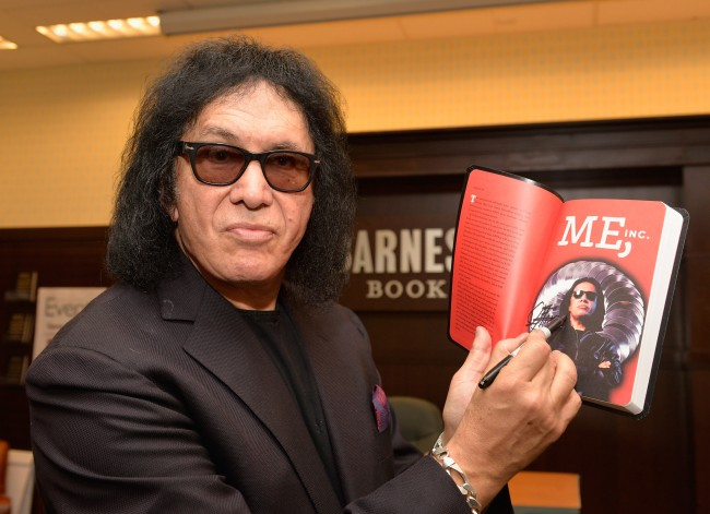 """Gene Simmons Book Signing For """"Me Inc."""""""