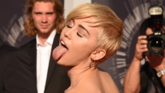 Miley Cyrus Can't Stop, Won't Stop Flipping Off The Public In This New VMAs Promo