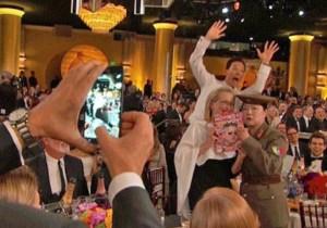 Benedict Cumberbatch Keeps His Photobombing Streak Going At The Golden Globes