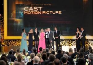 Off the Carpet: 'Birdman' asserts itself as the Oscar frontrunner