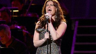 Idina Menzel From 'Frozen' Will Sing The National Anthem At The Super Bowl