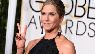 Did Jennifer Aniston just slap Kate Hudson's butt on Golden Globes red carpet?