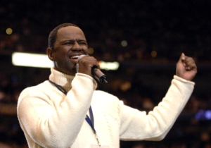 Watch Brian McKnight's Stunning Rendition Of 'The Star Spangled Banner' From The Panthers/Cardinals Game