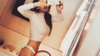 What's Really Going On In Lindsay Lohan's Sexy Selfie?