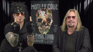 Mötley Crüe's Nikki Sixx Flipped Off Justin Bieber During A Local News Interview