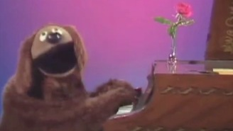 Watch Rowlf From 'The Muppets' Sing Biz Markie's 'Just A Friend' About Miss Piggy