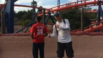Roy Halladay Took An Awesome Picture With An Unsuspecting Fan Who Was Wearing His Jersey