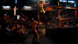 Watch Sexy Star Destroy A Crazy Mariachi In This Week's Exclusive Lucha Underground Clip