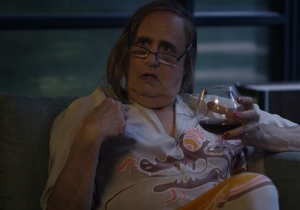 Clear A Spot On Your Couch: Amazon To Stream 'Transparent' For Free On Saturday