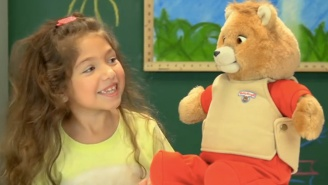 Kids Today React To Teddy Ruxpin, The Most Nightmare-Inducing Toy Of The '80s