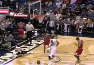Anthony Davis Leaves Pelicans Loss To Bulls After Dangerous Fall (UPDATE)