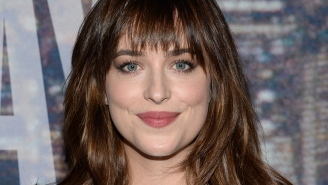 'Fifty Shades of Grey' star Dakota Johnson snags 'SNL' hosting gig