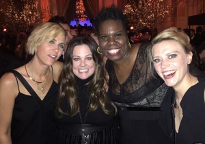 Check Out The First Picture Of All The New Ghostbusters Hanging Out At #SNL40