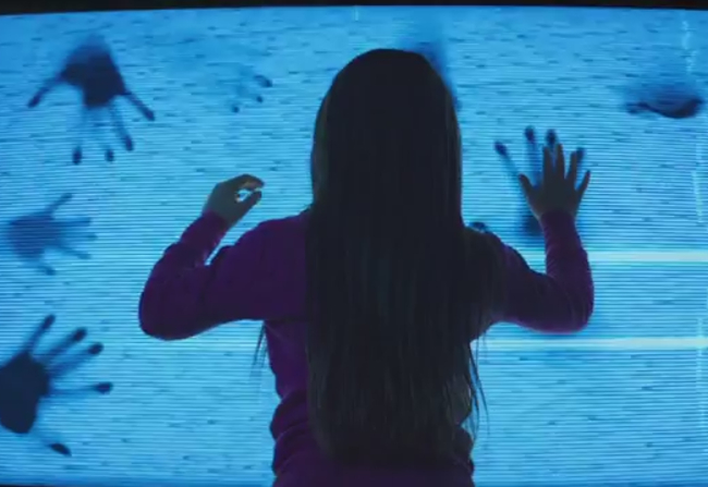 Get Creeped Out All Over Again With The Trailer For The 'Poltergeist' Remake