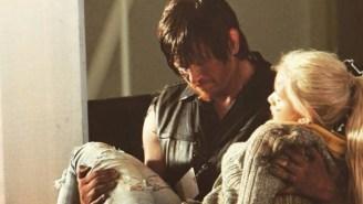 Cosplayers Recreated The Final Scene In The 'Walking Dead' Season Five Finale With HeartbreakingDetail