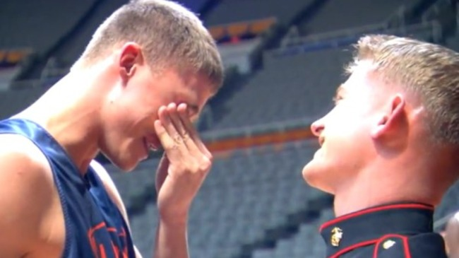 see-the-touching-bond-between-nba-player-and-marine-brother-e64f90e830