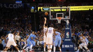 GIF: Steven Adams Fractures Right Hand, Still Hits Off-Hand Free Throw