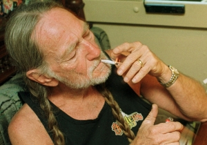 'Is Everybody High?' Musicians Share Their Best Stories About Getting Stoned With Willie Nelson