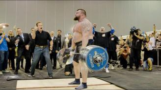 Watch Arnold Schwarzenegger Provide The Biggest Cheering Section For A Deadlifter's Record-Breaking Lift