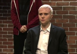 'SNL's' Kate McKinnon brings 'The Jinx's' Robert Durst to an improv comedy show