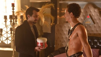 HitFix First Look: 'Man Seeking Woman' finale goes to the ends of the Earth