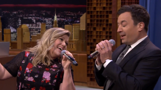 Watch Jimmy Fallon And Kelly Clarkson Sing Through The History Of Duets