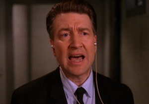 David Lynch publicly bails on 'Twin Peaks' revival; are the owls not what they seem?