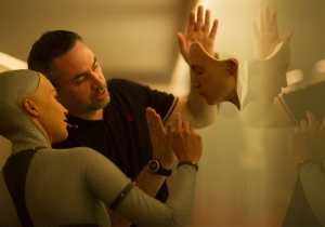 Alex Garland of 'Ex Machina' follows others who took a writing-to-directing leap