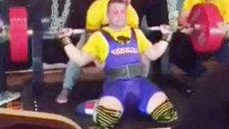 This Powerlifter Snapped His Quad Doing A Squat, And The Video Is Cringeworthy