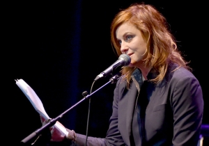 BREAKING NEWS: Amy Poehler Now Has Red Hair