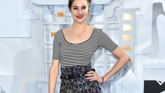 Shailene Woodley beats out Jennifer Lawrence at the MTV Movie Awards