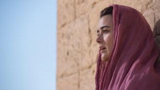 TV Ratings: 'Idol,' 'Modern Family' lead Wednesday as 'Arrow,' 'Dovekeepers' dip