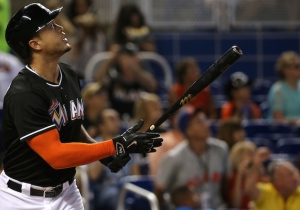 Giancarlo Stanton Hit Another Mammoth Home Run And A Fan Snagged It With His Bare Hand