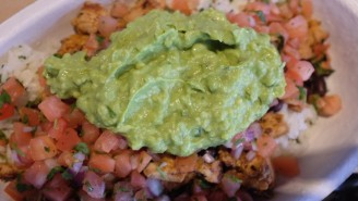 Chipotle Revealed Its Secret Guacamole Recipe, And Believe It Or Not, There's No Crack