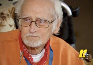 An Elderly Cancer Patient Called 911 Because He Had No Food, Police Delivered