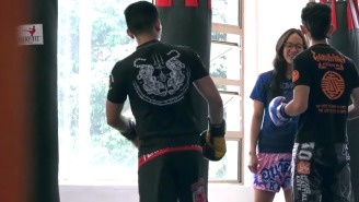 A Muay Thai Champion Pretended To Be A Nerdy Girl At The Gym Before Owning The Trainers