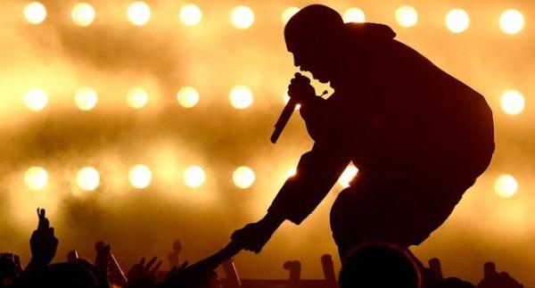 Kanye West stage performing ban