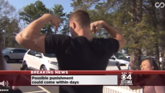 PEAK GRONK: Watch Rob Gronkowski Flex In Response To Reporter's Deflategate Questions