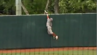Watch This Texas Outfielder's Perfectly Timed Jump To Rob Oregon State Of A Home Run