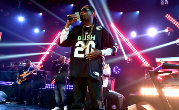 performs onstage during Snoop Dogg Live on the Honda Stage at iHeartRadio Theater on May 11, 2015 in Burbank, California.
