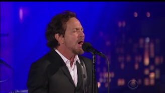 Eddie Vedder Proves Letterman Is The 'Better Man' In His Musical Performance